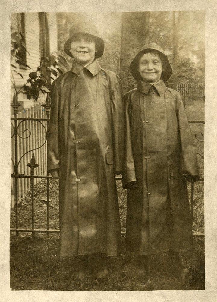 Vintage Rainy Day Kids Photo The Graphics Fairy