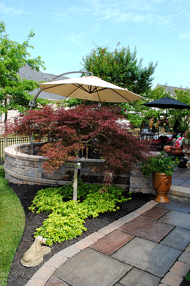 8 Great Ideas for Backyard Landscaping! - The Graphics Fairy on Backyard Garden Ideas id=72826