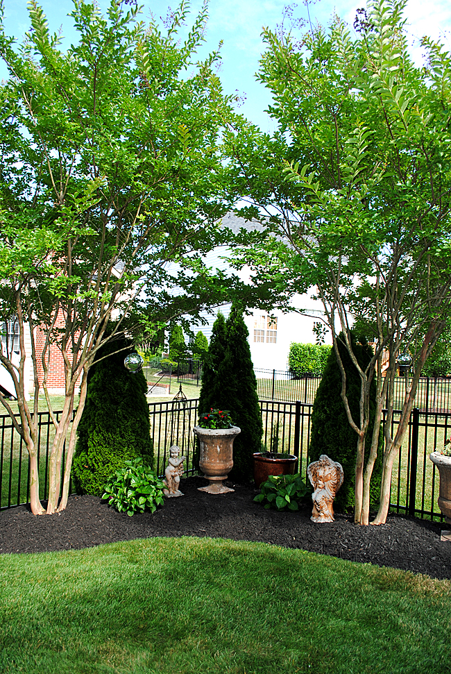 8 Great Ideas for Backyard Landscaping! - The Graphics Fairy on Backyard Landscaping Ideas With Trees id=27169