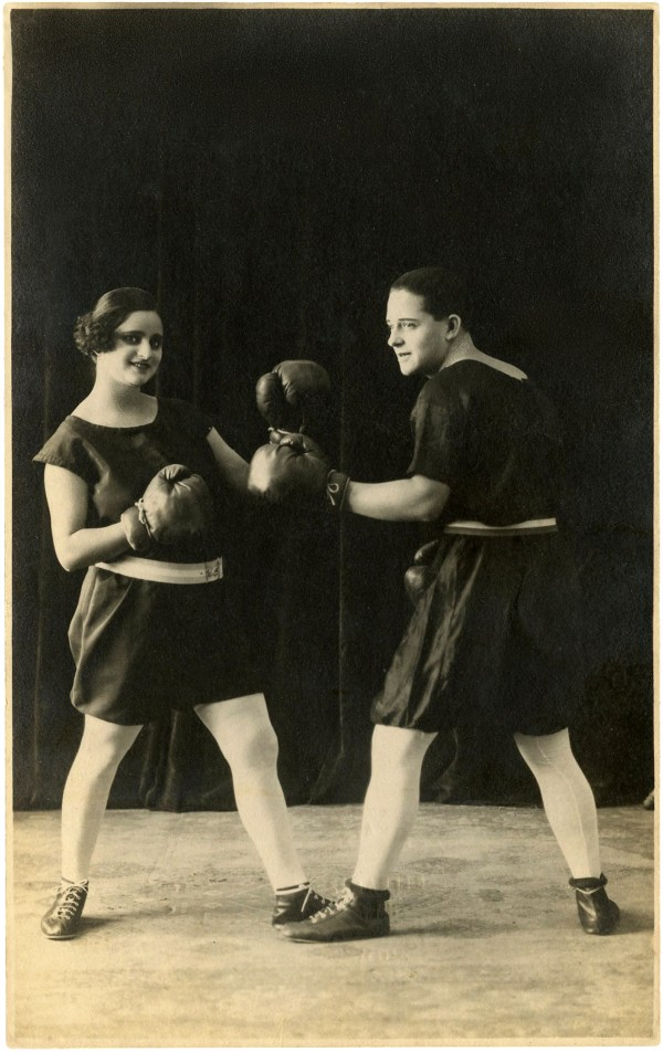 Vintage Man and Woman Boxing Photo - Funny! - The Graphics ...