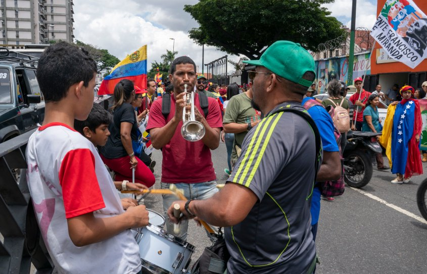 Venezuela no more Trump protest drums