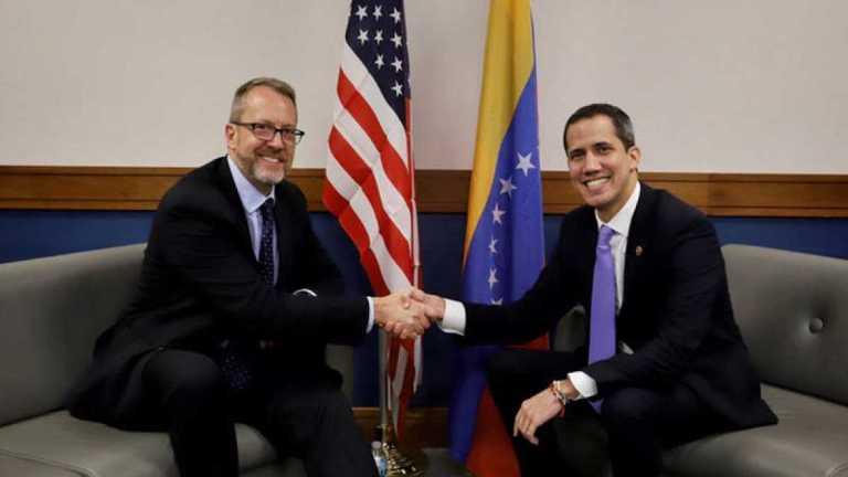 Embajador de Estados Unidos en Venezuela James Story Juan Guaido