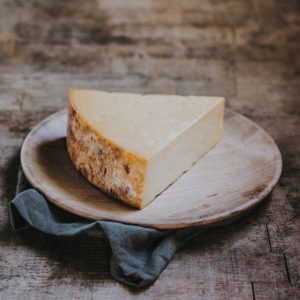 Quickes Oak Smoked Goats Cheddar