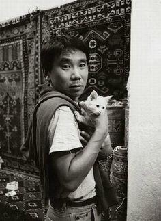 Haruki Murakami with cat, cats and writers