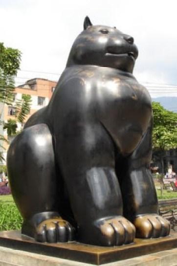 Fernando Botero cat statue