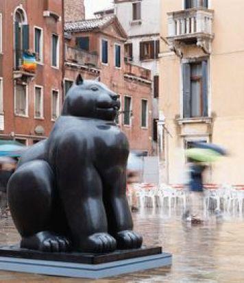 Botero cat statue Venice, Italy