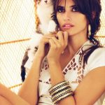 Penelope Cruz and cat, famous cat lovers