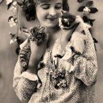 Anaïs Nin and cats