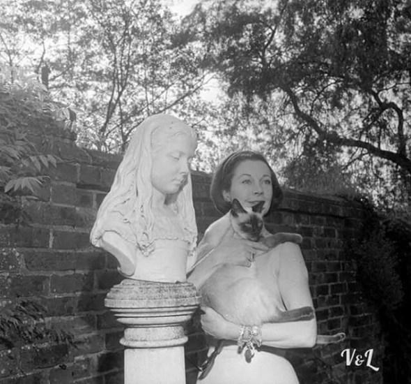 Vivien Leigh with Poo Jones