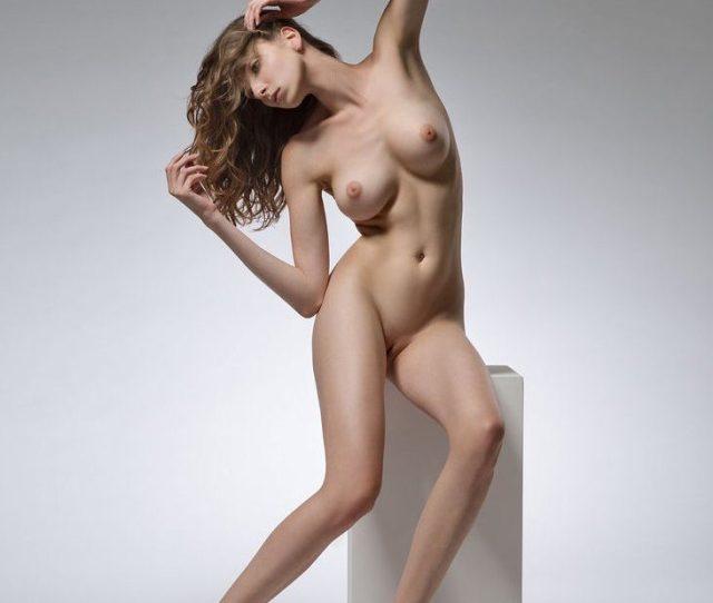 Life Model Long Lean Female