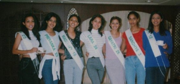 Lara (centre) posing with few other contestants during Miss India pageant