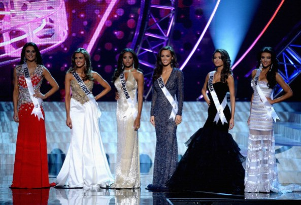 Erin (Connecticut) with remaining finalists at Miss USA; Miss Utah on extreme right was the big favorite to win
