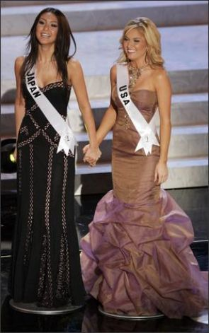 Tara deserved a more suitable color for evening gown