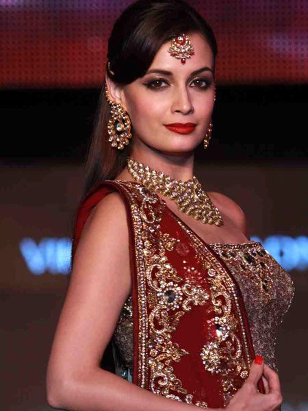 blenders_pride_fashion_tour_2011_dia_mirza_600x450