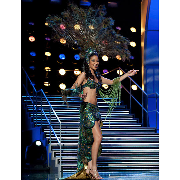 Miss Universe Costa Rica 2010, Marwa Right