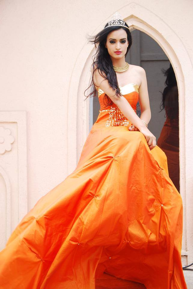 Aaital Khosla wins Miss Earth India 2015