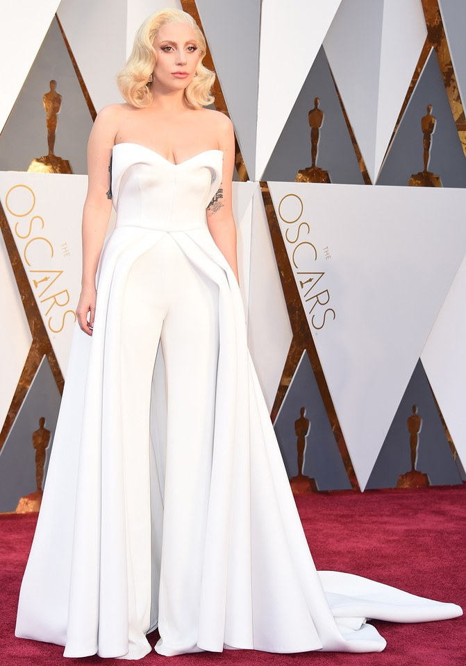 Laday Gagay looked stunning in Brandon Maxwell she was in our best list in Best and the worst dressed at Oscars 2016