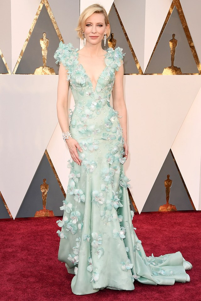 Cate Blanchett in Armani Prive she was in our best list in Best and the worst dressed at Oscars 2016