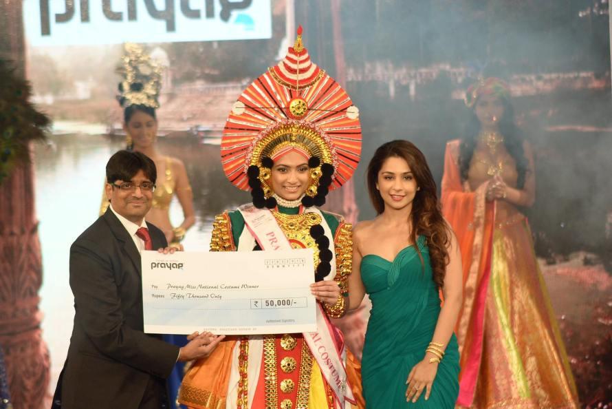 Roshmitha Harimurthy won Prayag Best National Costume at Femina Miss India 2016 sub contest