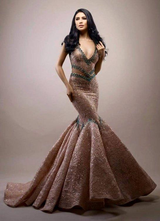Ariska Putri Pertiwi's Evening Gown for Miss Grand International 2016 is super stunning