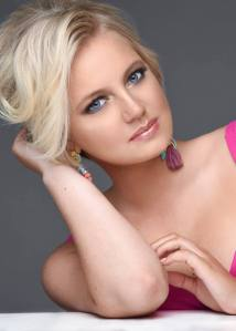 GRACIE SMITH is competing at Miss Teen World America 2017
