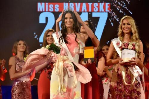 Tea Mlinarić crowned as the winner of Miss World Croatia 2017