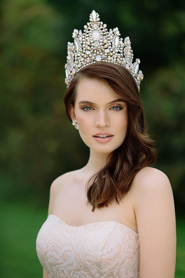 Sophia Koch crowned as Miss Universe Germany 2017