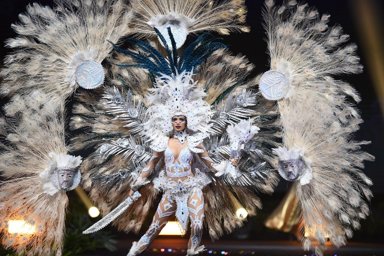 Miss Universe El Salvador,Marisela de Montecristo during the national costume presentation