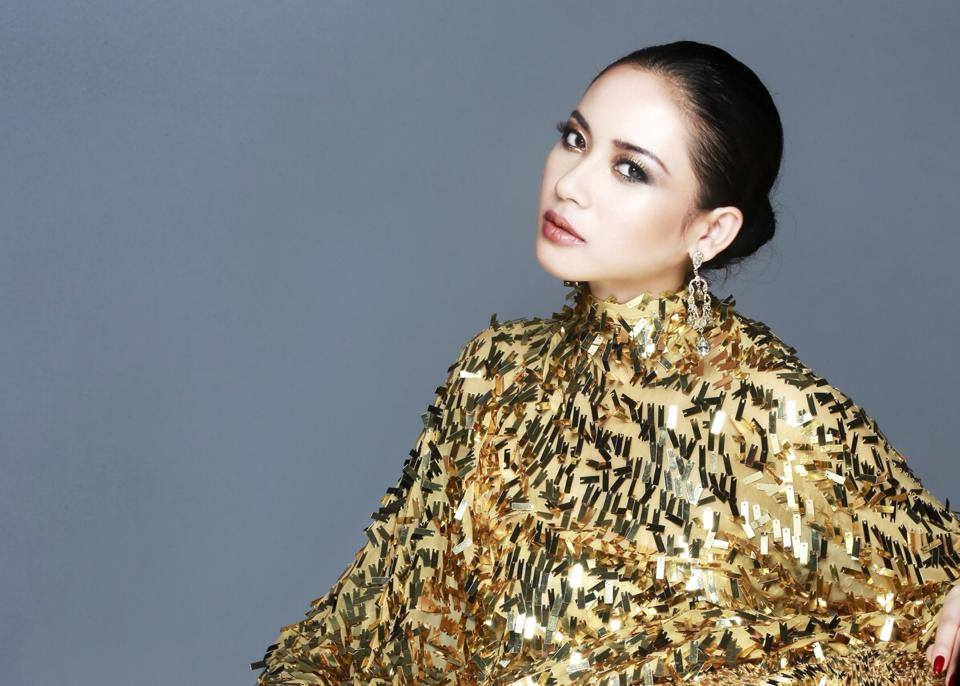 Elvira Devinamira Miss Indonesia 2014 For Fadil Fadil Berisha