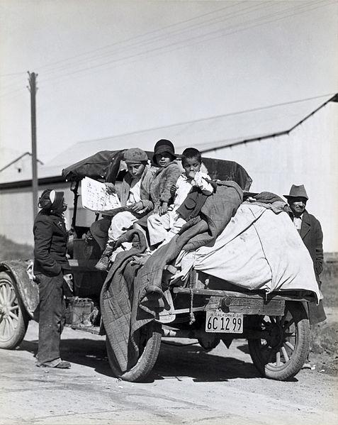 Dorothea Lange [Public domain], via Wikimedia Commons