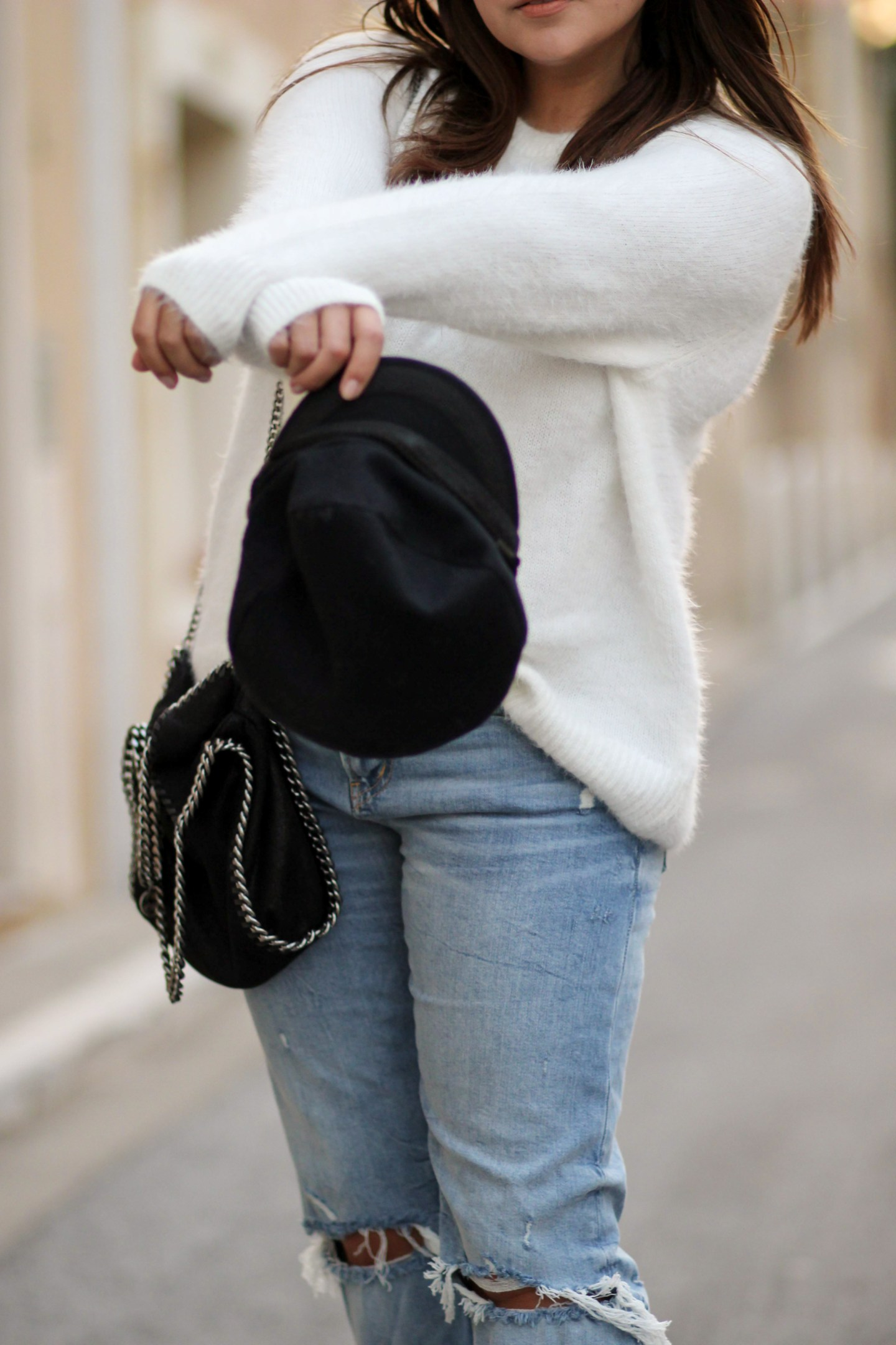 BACK TO BASICS ! JEAN, PULL, BOTTINES & CASQUETTE MARIN