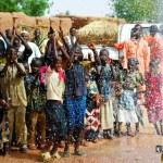 A reação de um vilarejo ao ver água limpa pela 1ª vez