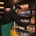 Starbucks decide doar toda sua comida não vendida para pessoas que têm fome
