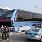 Brasil quer colocar nas ruas ônibus solares (que ainda trafegam por cima dos carros)