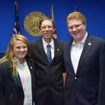 Adolescente de 16 anos convence prefeito dos EUA a assinar lei que obriga casas a terem painéis solares