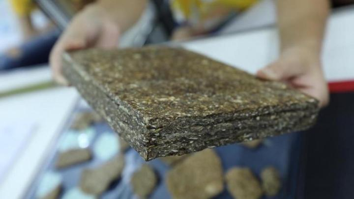 """Conheça o projeto de """"madeira sustentável"""" (produzida com resíduos da mandioca)"""