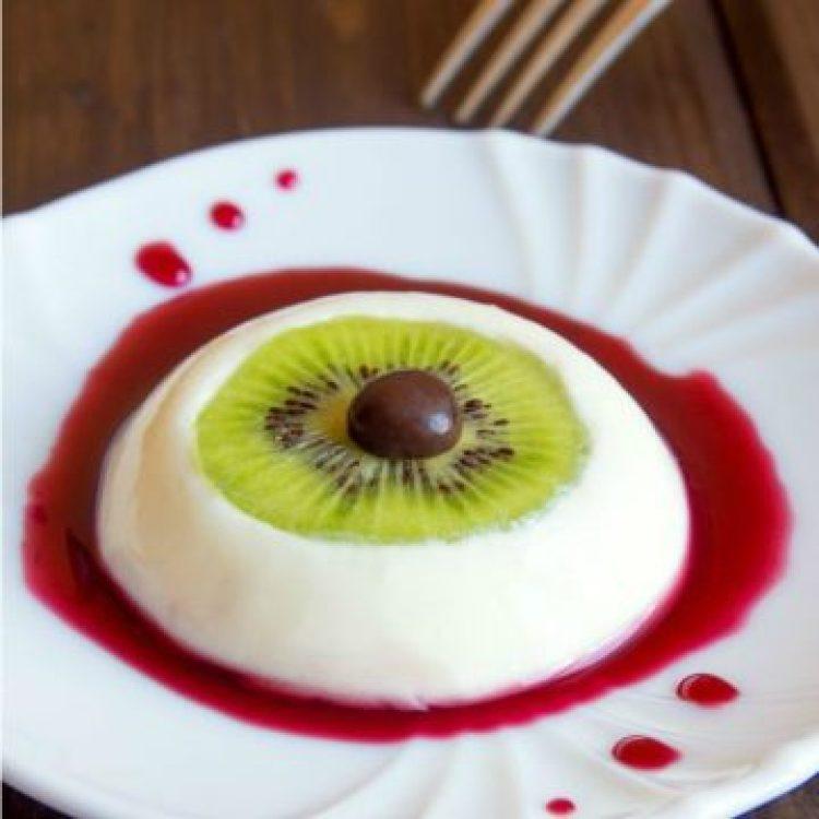 Vegan Bloody Eyeball Dessert - Vegan Pudding