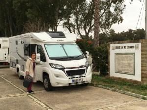 NiKi arrives at the Marina @ Puerto Gelves our Gateway to Seville, Karen loves NiKi more then the photographer. :-(