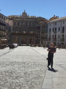 Cenuca, David in the main square