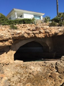 This house was in a natural park and had its own bat cave beneath allowing access from the sea, cool.