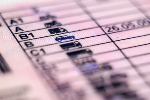 Pre-employment checks - understanding a driving licence