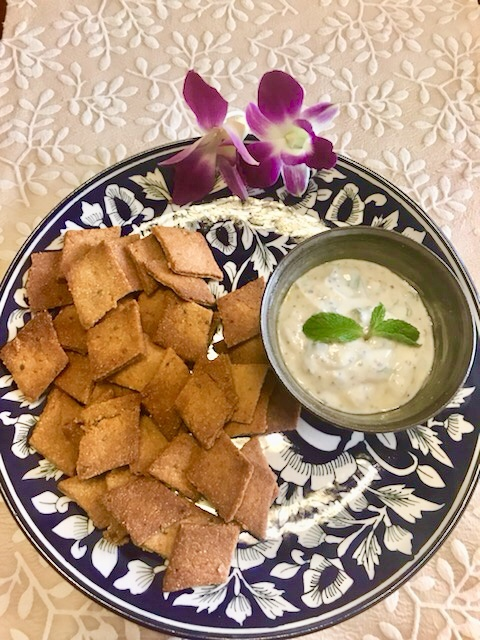 BAKED WHOLE WHEAT CRISPS WITH YOGHURT MINT DIP