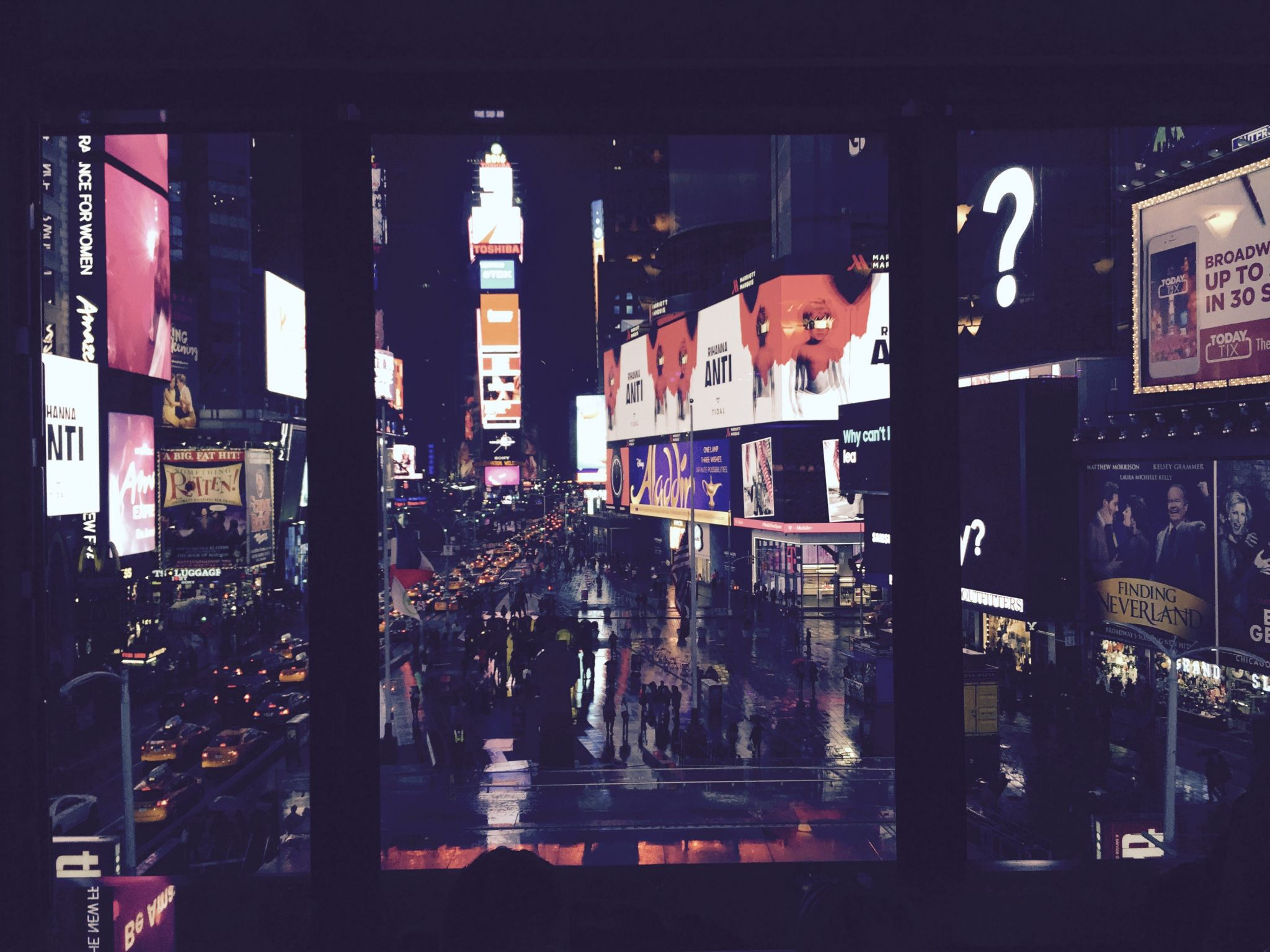 RLounge-Times-Square-New-York