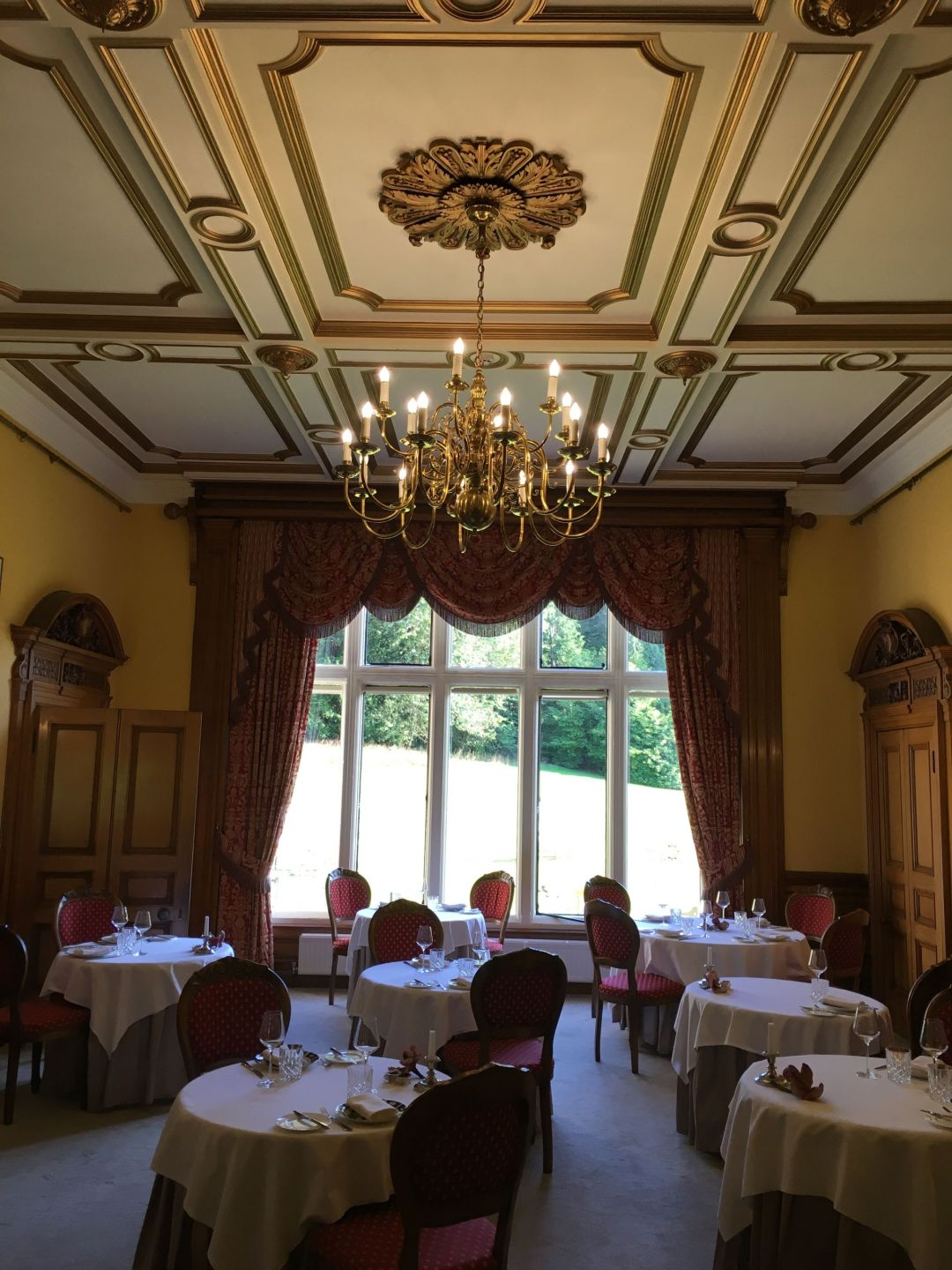 Pale Hall dining room