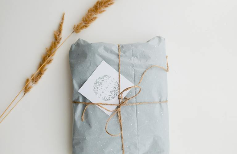 sustainable gift wrapping