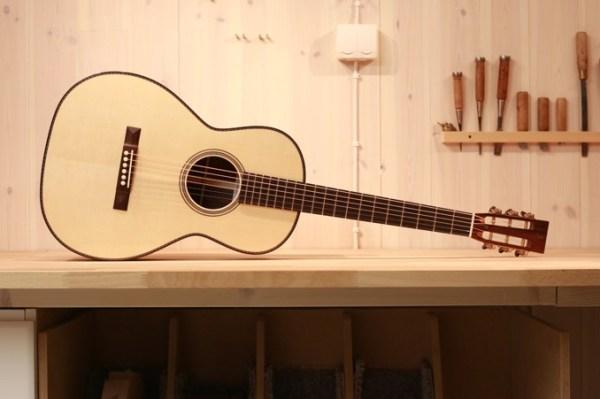 Lars Rasmussen guitar
