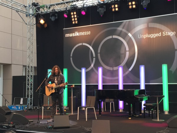 2016 Musikmesse - Phil X unplugged