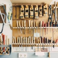 5 Clever Decluttering Hacks For your Garage