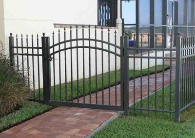 Bronze Aluminum 3 Rail Arched Gate with Tri-Ad Finial