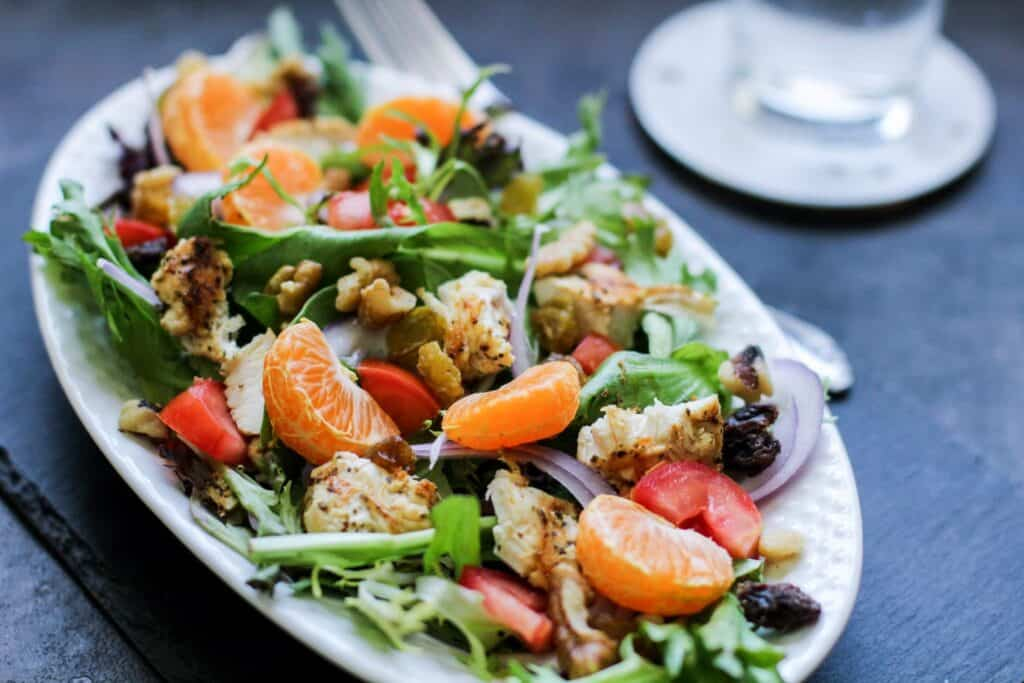 EASY GRILLED CHICKEN TANGERINE SALAD by Latinamommeals.com